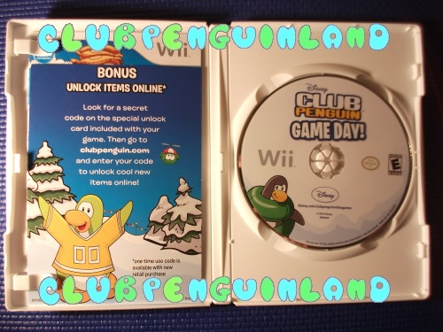 club-penguin-game-day-unboxing2